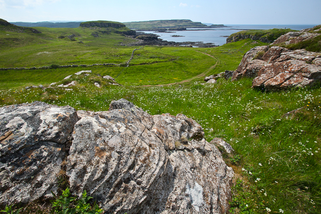 Dun Ara in the mid-ground to the right with the shore and headlands beyond